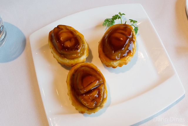 Baked Whole Abalone Puff with Diced Chicken