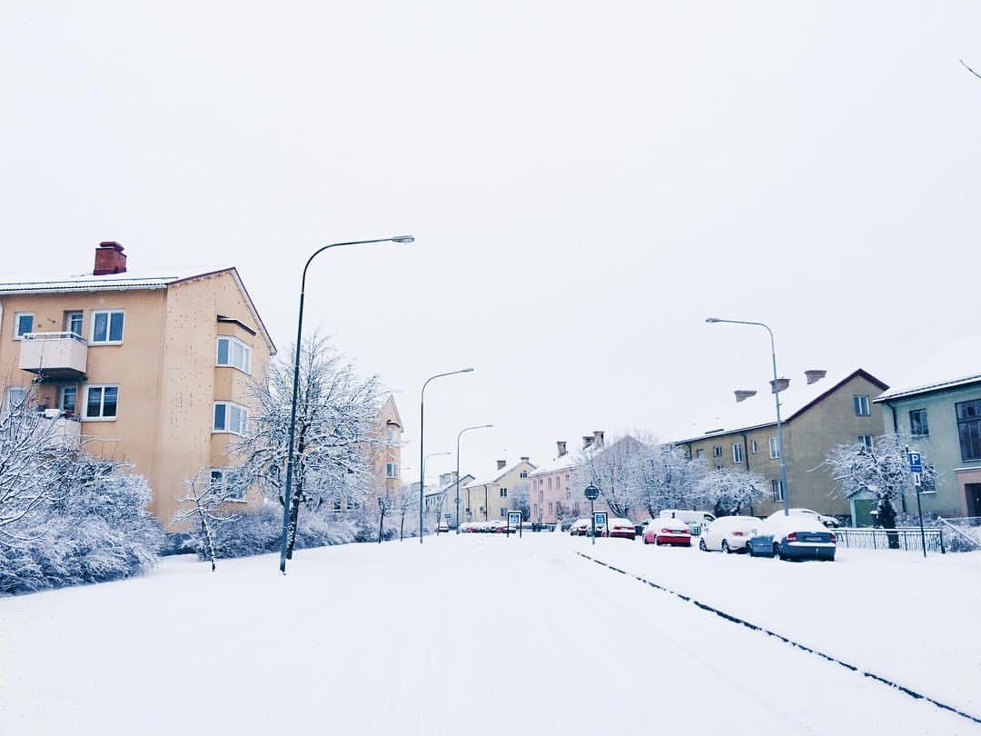 Apartment hunting today in a winter wonderland. Gotta be luck luck, right?! ✌️ #apartmenthunting #househuntersinternational #igersuppsala #winter #vsco_sweden