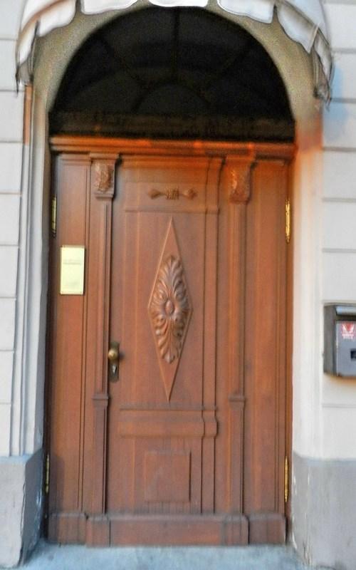 Letonia Puertas 01