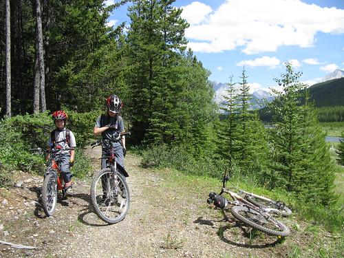 Biking-near-Spray-River