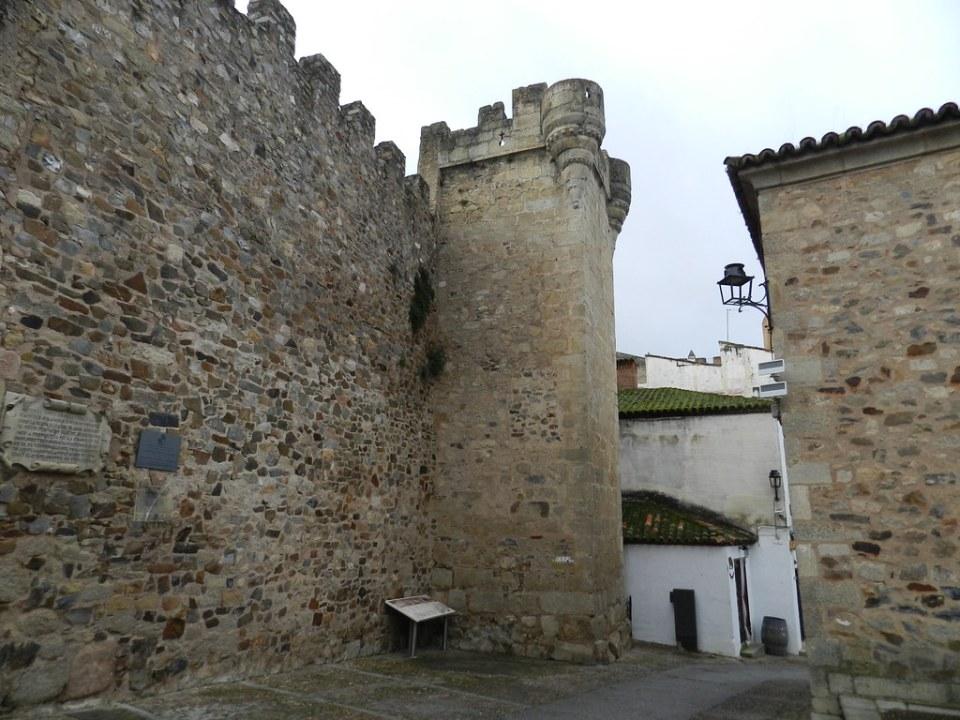 Torre de los Pulpitos Plaza Mayor Caceres 03