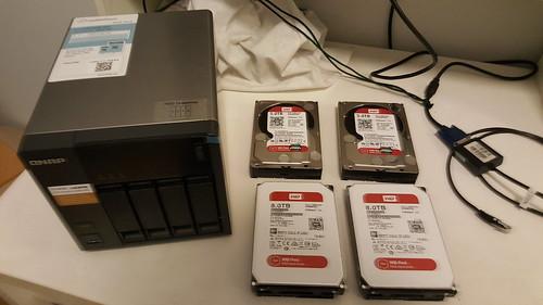 ฮาร์ดดิสก์ที่ใช้ในการทดสอบครั้งนี้ WD Red เดิม 5TB กับใหม่ 8TB