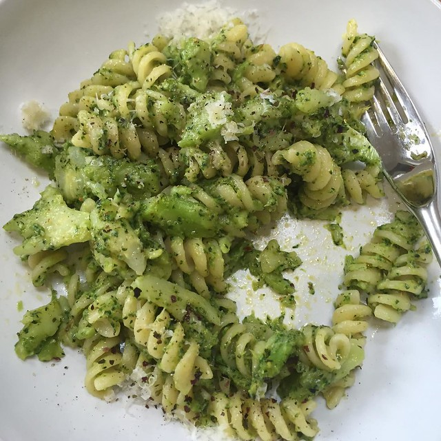 Starting as I mean to go on with @rachelaliceroddy 's broccoli pasta. Lick-the-bowl-clean good.