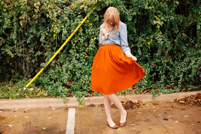chambray shirt orange skirt2