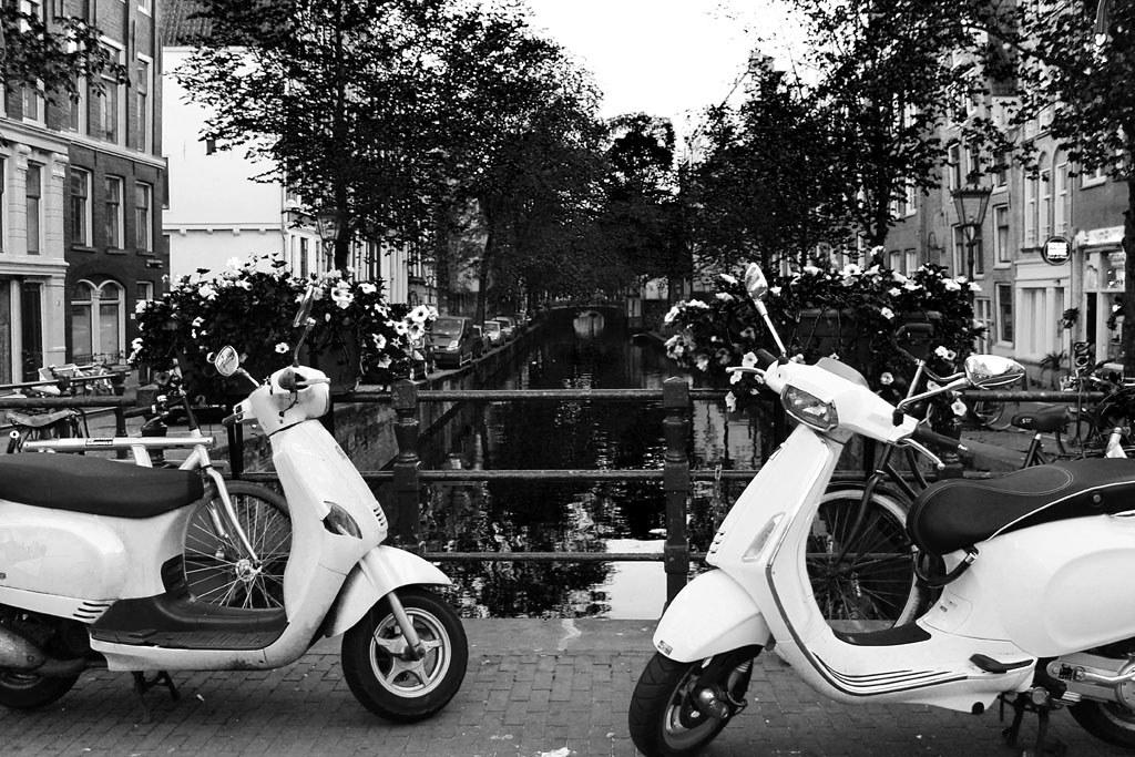 17 Observando las aguas de Amsterdam