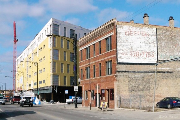 """2211 N Milwaukee: """"The L"""" building really grabs that corner with Talman"""