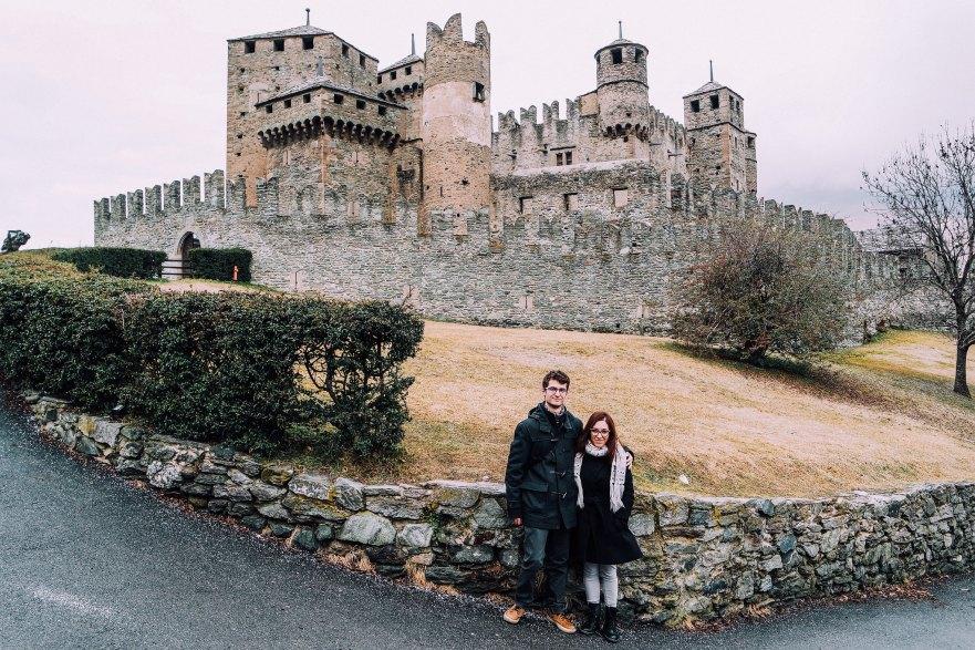 Castello di Fénis (esterno + viaggiascrittori)