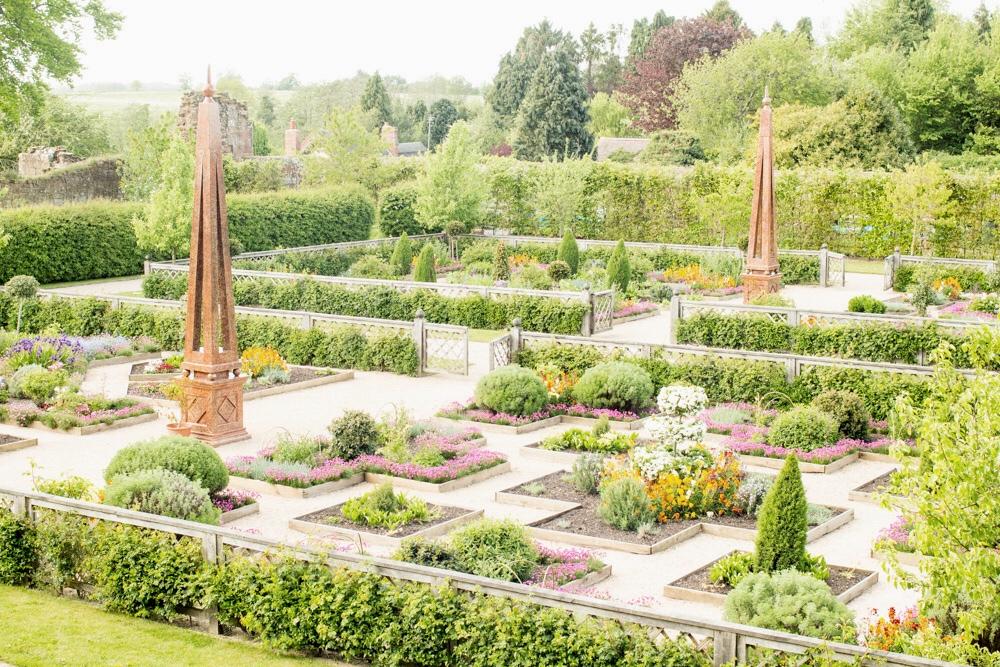Elizabethan garden Kenilworth2-6