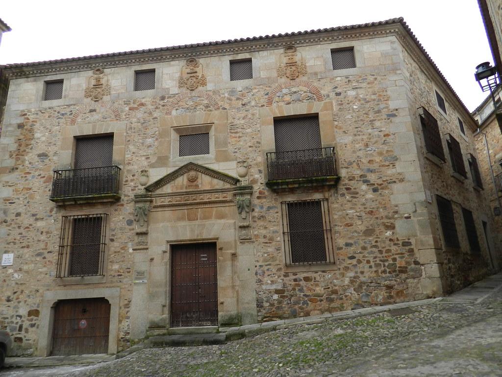Ermita Santa Catalina hoy Ministerio de Fomento Plaza de los Golfines Caceres 01