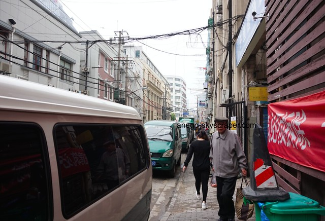 フィッシュイン 緑の車は中国の郵便局の車