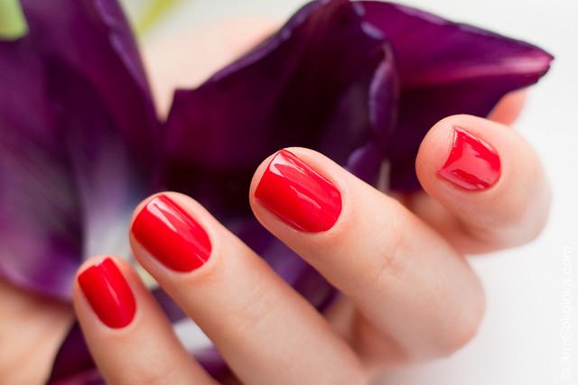 03 Guerlain La Petite Robe Noire Nail Colour #003 Red Heels swatches Ann Sokolova