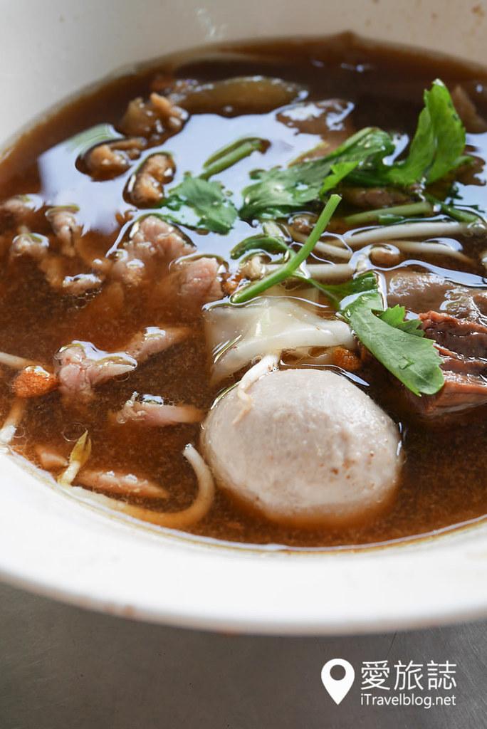 《曼谷美食餐厅》郭炎松餐厅:品尝在地人喜爱泰式牛肉面