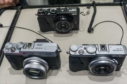 FujiFilm X70 .v.s. X30