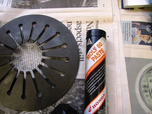 Moly 60 For Lubricating Clutch Diaphragm Spring Contact Areas