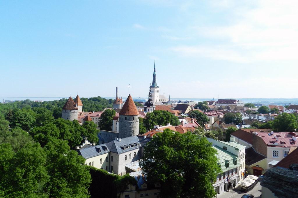 Vista desde Toompea Ciudad Alta Casco Histórico Tallin Estonia 02