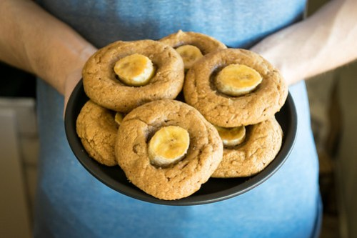 peanut butter cookies with caramelized bananas