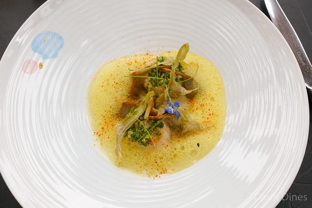 La Saint-Jacques Pan-seared sea scallops, creamy baby artichoke and chickpea foam