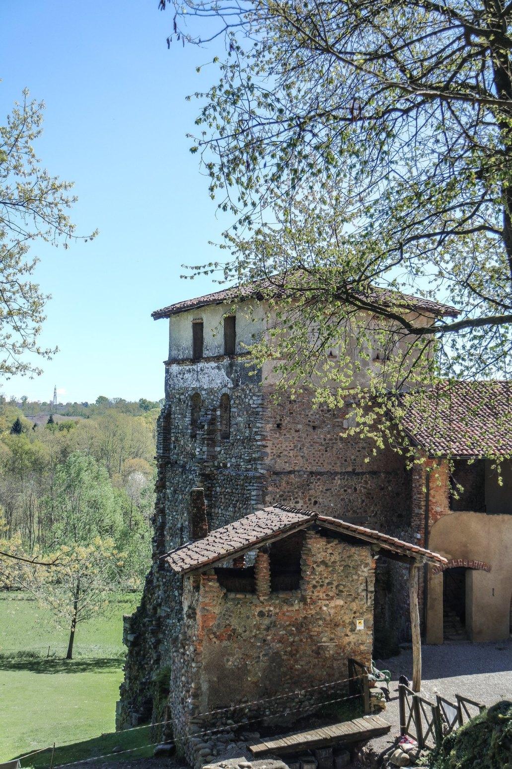 Torre del monastero di Torba