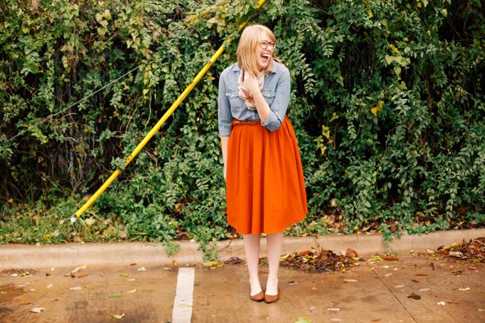 chambray shirt orange skirt3