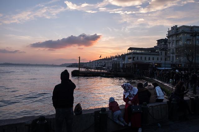 Istanbul: zonsondergang aan de Bosporus in Ortaköy