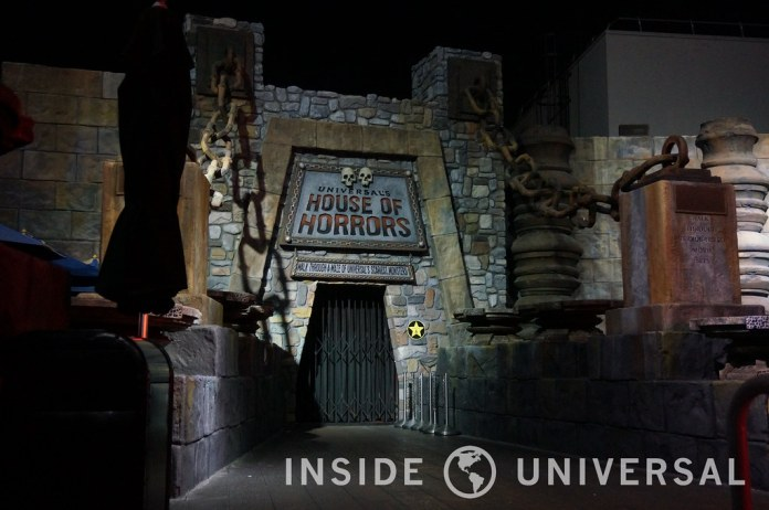 Article: Universal debuts Universal Boulevard, featuring a larger Universal Studios Store and a new Starbucks