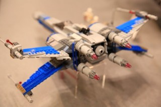 LEGO Star Wars 75149 Resistance X-wing Fighter 4