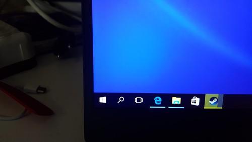 ขอบจอบางมาก ทำให้นึกถึง Dell XPS13 ตัวใหม่