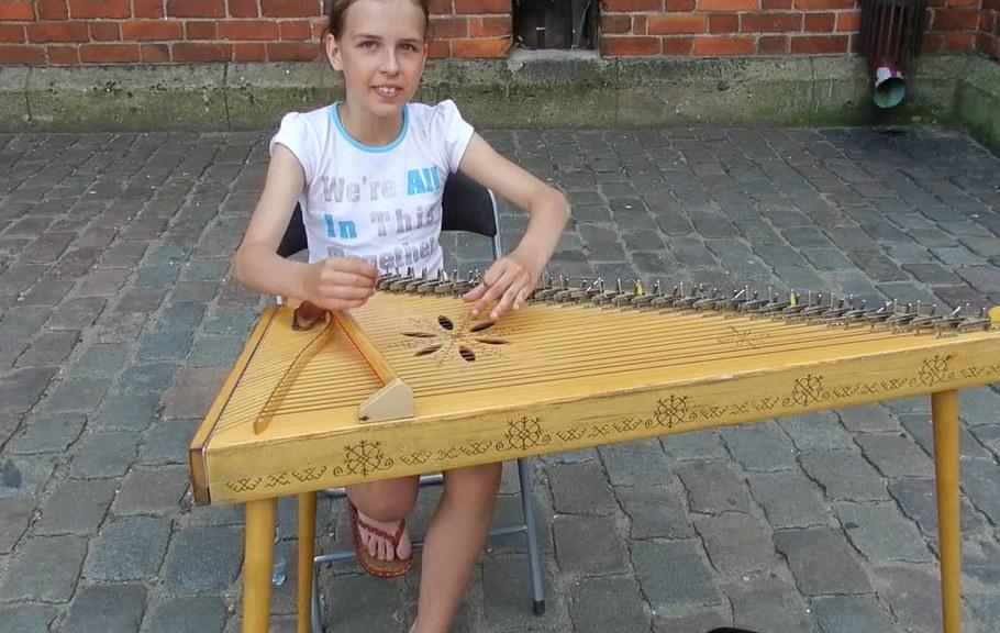 Concierto de música folklórica Letona de Patricia con su anstrangga video 3