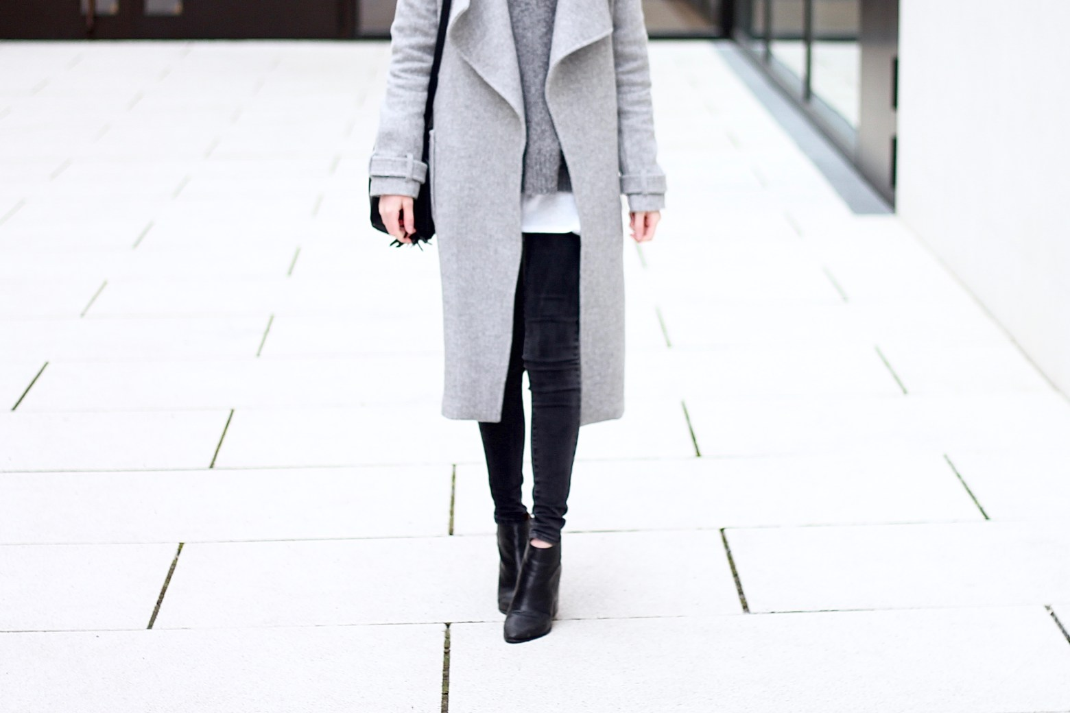 coat - knitwear - minimalistic fashion - katiys.com