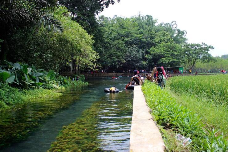 Main di Malang - Sumber Sirah - Pemandangan dari Sisi Barat