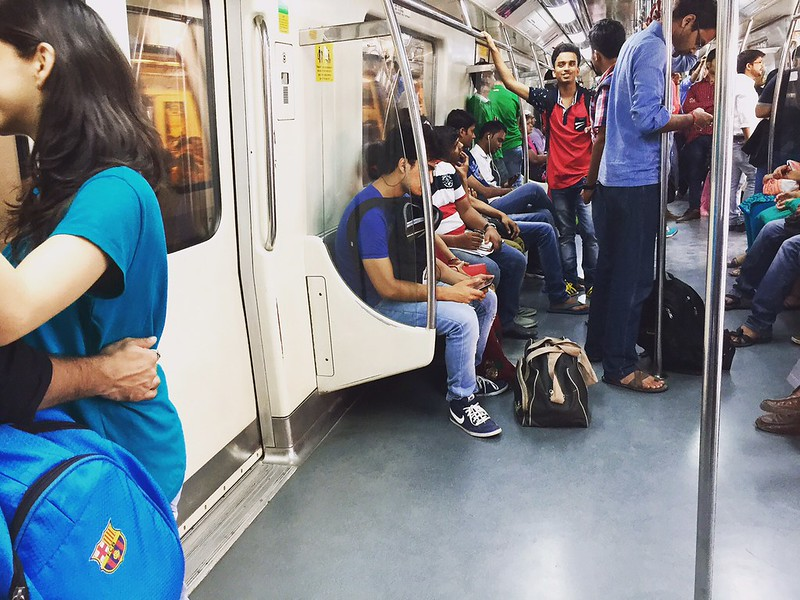 Delhi Metro – Two Lovers in My Coach, Yellow Line