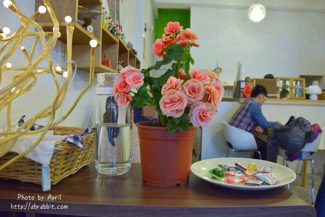 25045531705 e744d4e8e2 o - [台中]Tano Cafe--老屋系列 part10之巷弄咖啡廳,有店貓唷!@北區 一中街