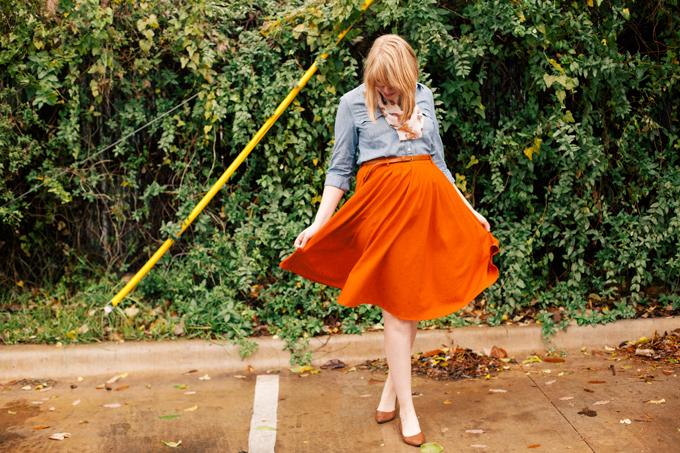 chambray shirt orange skirt1