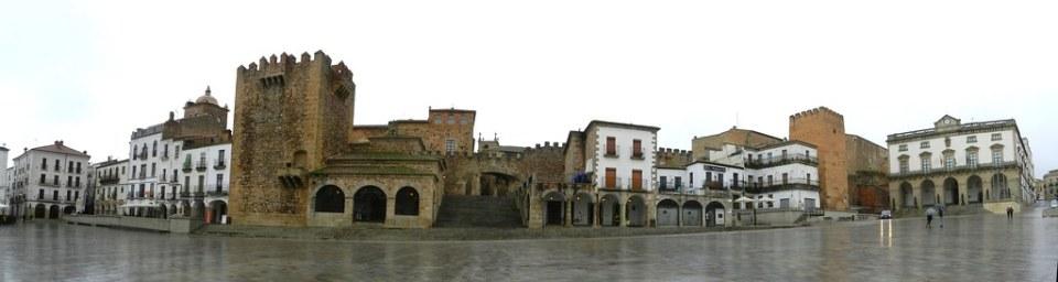 Caceres Plaza Mayor Torres Palacio Moctezuma Bujaco de la Yerba Ermita de la Paz Arco de la Estrella Ayuntamiento 01