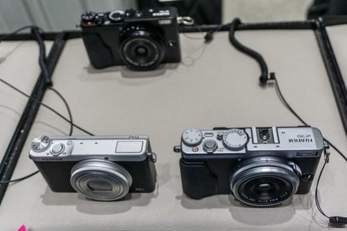 FujiFilm X70 .v.s. XQ