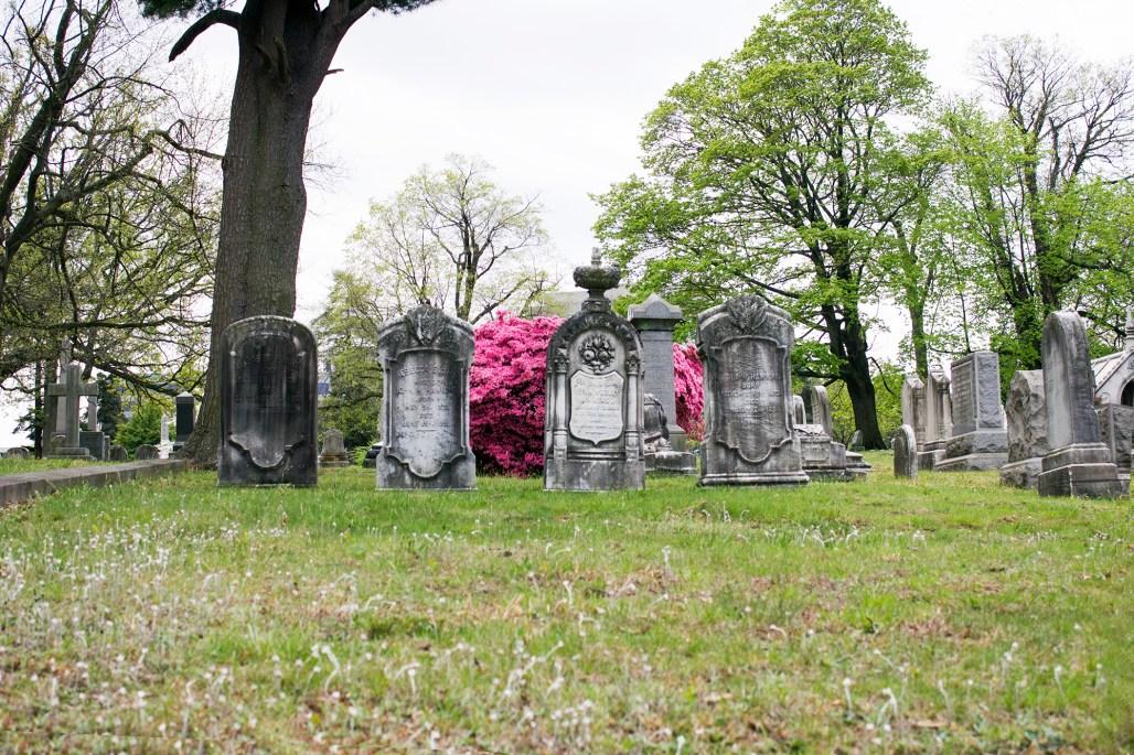 wilmington-brandywine-historical-cemetary-worn-headstones