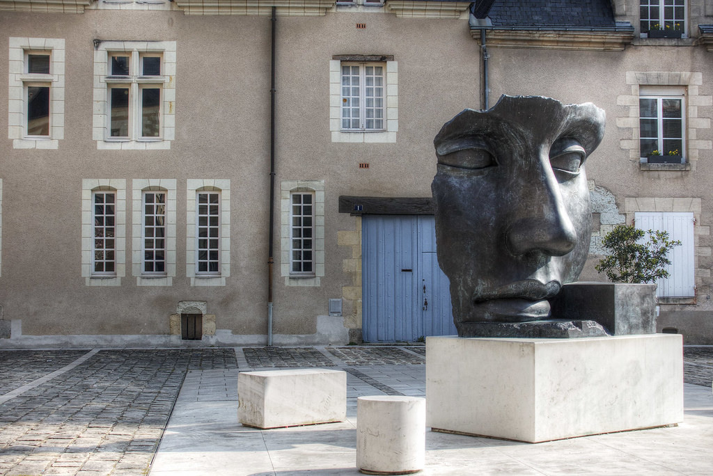 Face Sculpture by Guy Tyler, Angers, France.