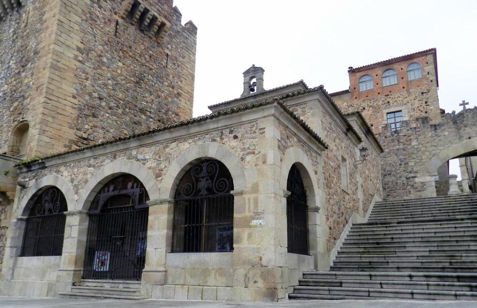 Ermita de la Paz Plaza Mayor Caceres 02