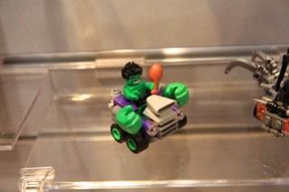 LEGO Marvel 76066 Hulk vs. Ultron 3