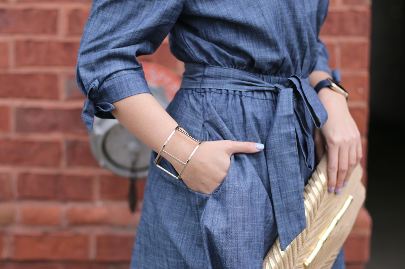 chambray-dress-pocket-gold-bangle-7
