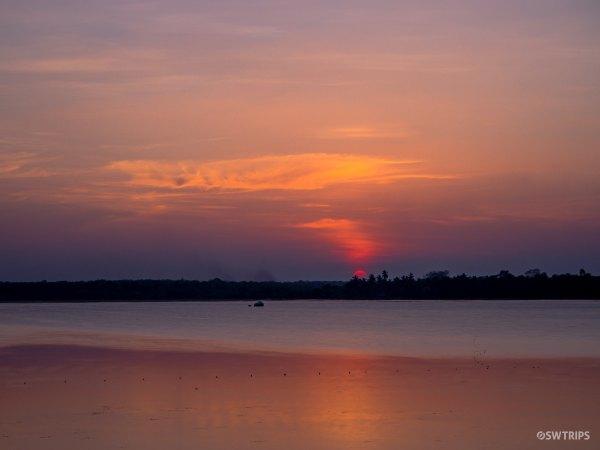 Sunset at Basawakkulama Water Tank - Anuradhapura, Sri Lanka.jpg