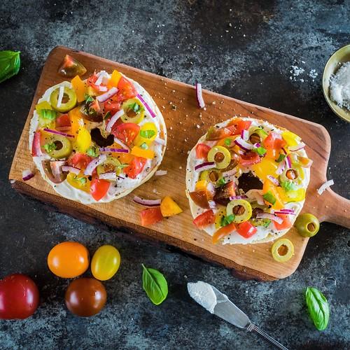 heirloom tomato breakfast bagels
