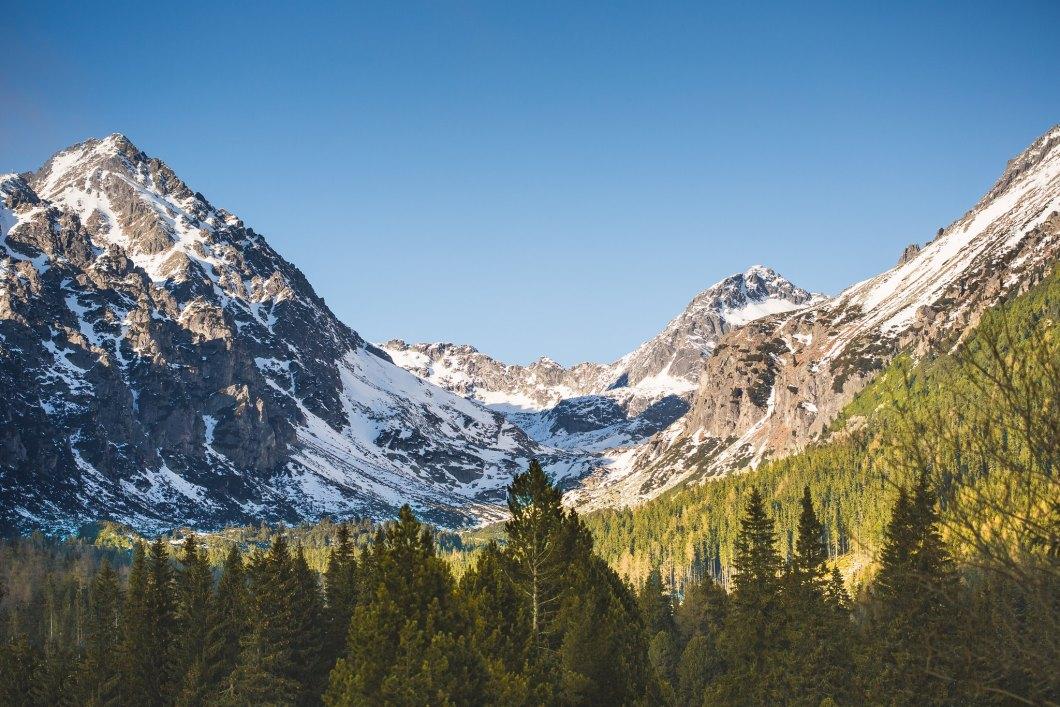 Imagen gratis de unas montañas majestuosas