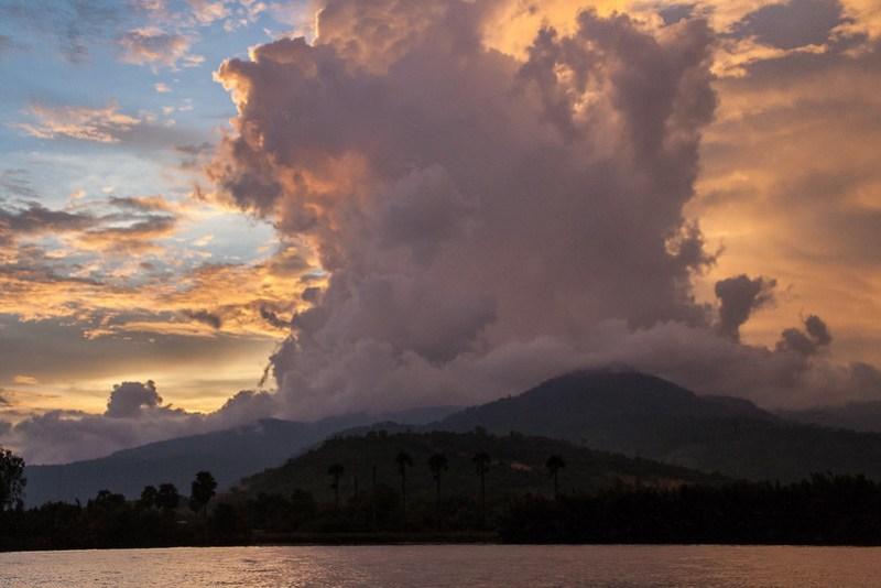 Kampot Wolken Mekong