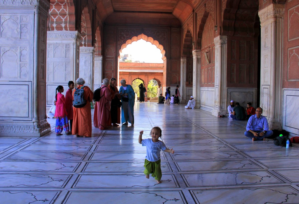 The courtyard of Jama Masjid is lively