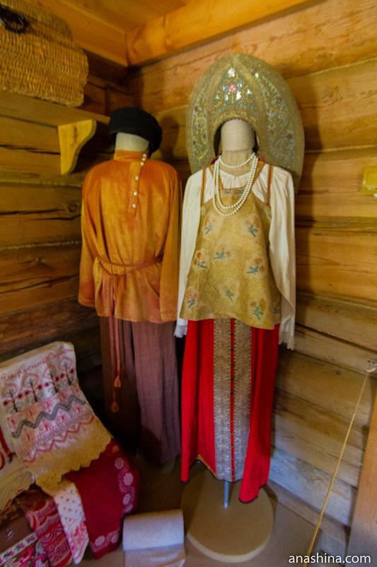 Наряды жениха и невесты, Музей деревянного зодчества, Суздаль