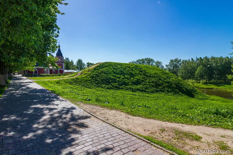 Участок кремлевского земляного вала около Успенской церкви, Суздаль