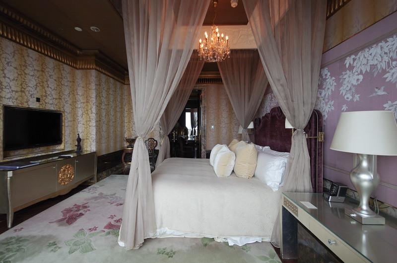 bedroom of the presidential suite - st. regis singapore