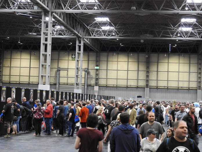 Collectormania [Mark Searby/Sam Payne pics23]