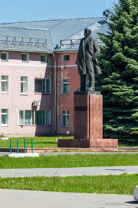 Памятник Ленину на Красной площади, Суздаль